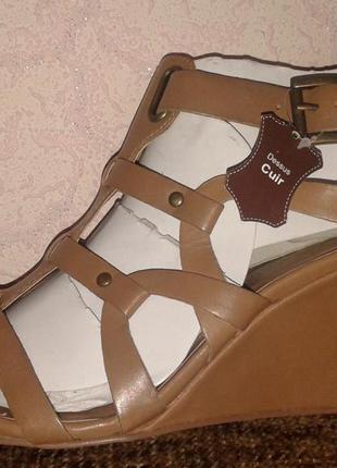 Акция-50%!!! новые кожаные босоножки-гладиаторы, kookai, 26,3 см