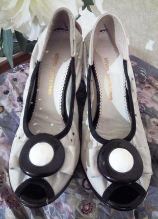 Удобные женские кожаные туфли