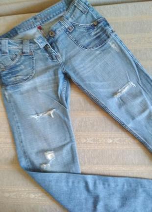 Лёгкие джинсы на каждый день, подарок к покупке от 50 грн!