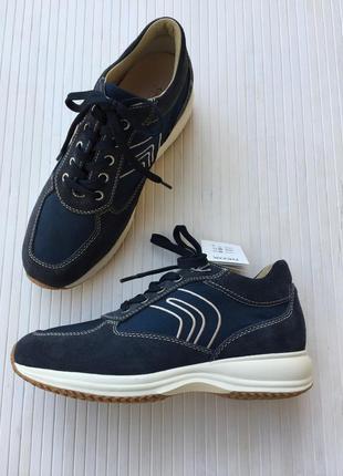Замшевые кроссовки от geox
