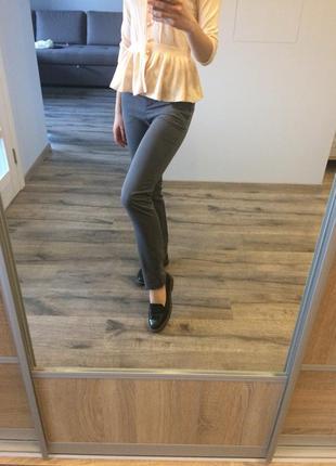 Сірі класичні брюки befree