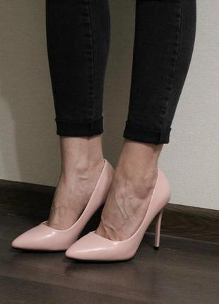 Невероятно милые, нежные и красивыые женские туфли-лодочки. цвет - пудра.