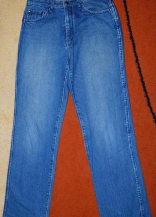 Отличные фирменные джинсы bossini!!!