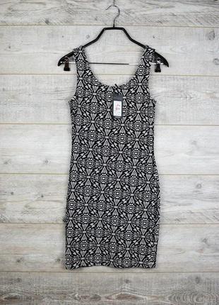 Стильное короткое платье с красивым принтом от new look