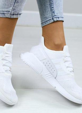 Белые кроссовки adidas equipment