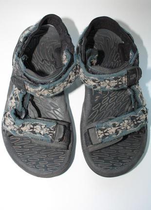 Босоножки ф. teva р-30 в отличном состоянии. обувь teva - мировой бренд