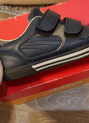 Супер спортивные туфли ,кеды