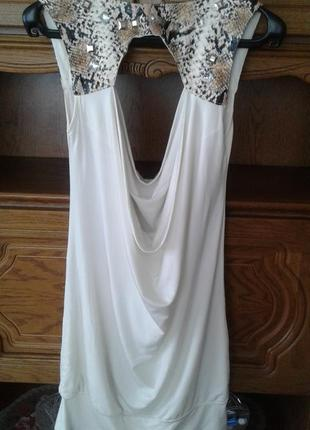 Платье короткое с оголеной спиной