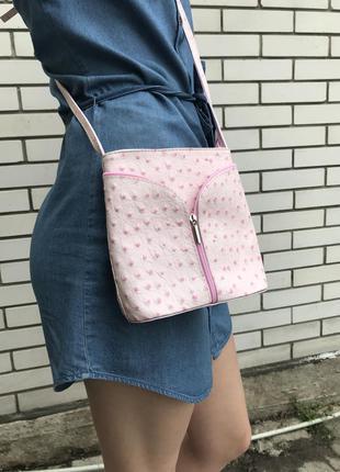 Красивая,маленькая,розовая сумка,кроссбриди с кожи страуса италия