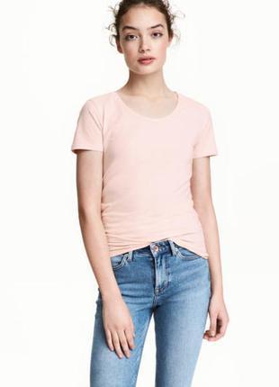 Пудровые футболки от h&m
