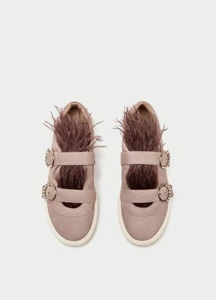 Замшевые (кожа натуральная) кроссовки с перьями zara