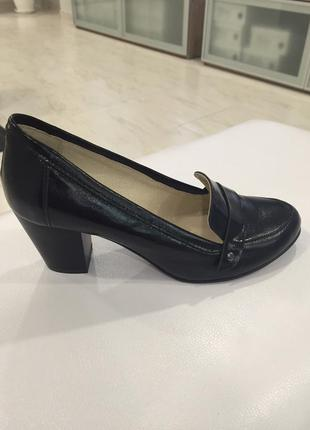 39р кожаные туфли на широком каблуке вера