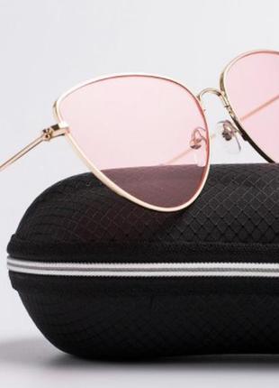 Нюдово-розовые трендовые очки для нежного образа.100%-uv защита.приятная стоимость