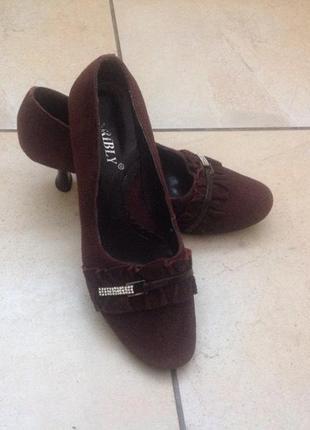 Замшевые туфельки 37-38р.