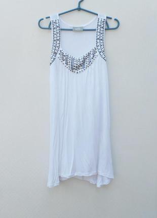 Белое летнее трикотажное свободное платье без рукавов из вискозы