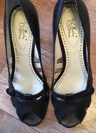 Новые кожаные туфли с открытым носком ellenka