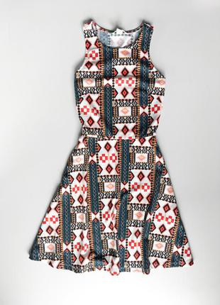 Трикотажное платье орнамент
