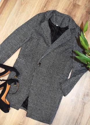 Демисезонное пальто ( пиджак , куртка, плащ)