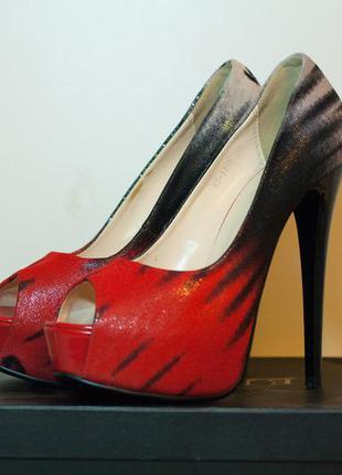 Вечерние туфли на высоком каблуке elmira