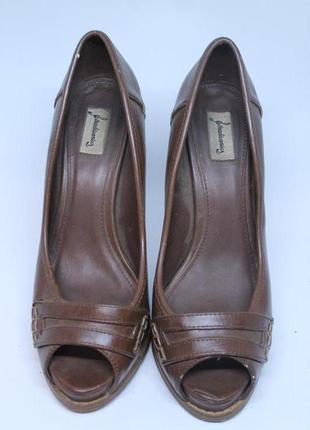 Крутые летние туфли stradivarius