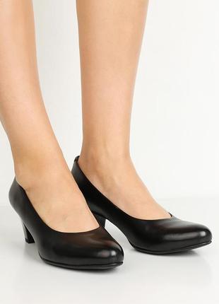 Туфли кожаные на низком каблуке