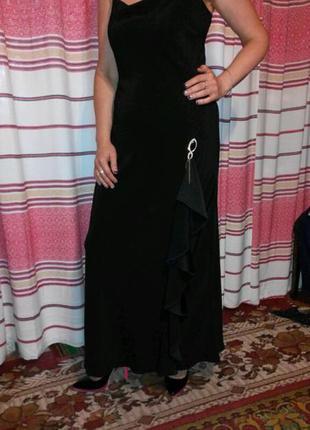 Шикарное вечернее платье в пол от известного английского бренда