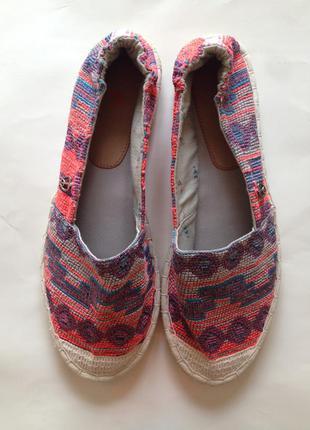 Новые яркие  эспадрильи туфли на низкой  платформе бренд tu
