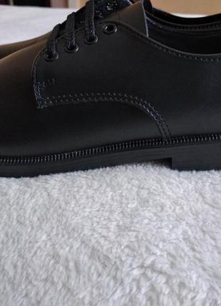 Шкіряні  туфлі   woolworths