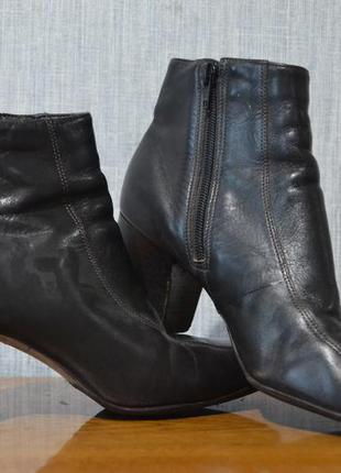 Женские кожаные ботинки весна-осень