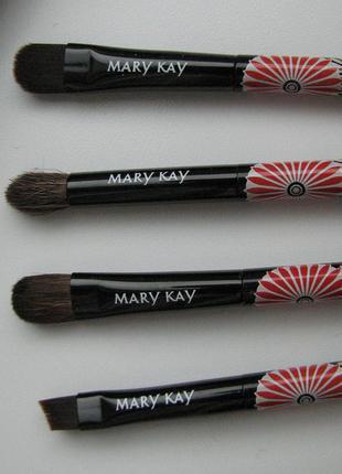 "Набор кистей mary kay ""взрыв цвета"""
