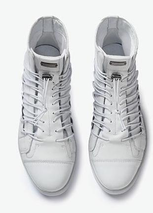 Кожаные кроссовки высокие белые adidas