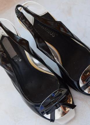 Босоножки на каблуке mauros