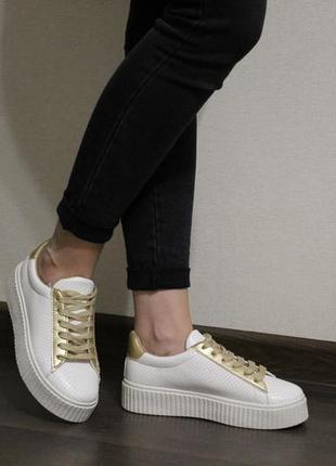 Стильные, удобные женские белые кроссовки (кеды, крипперы)
