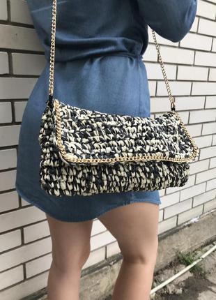 Красивая и необыкновенная,плетёная соломенная(бумажная)сумка на золотой цепочке