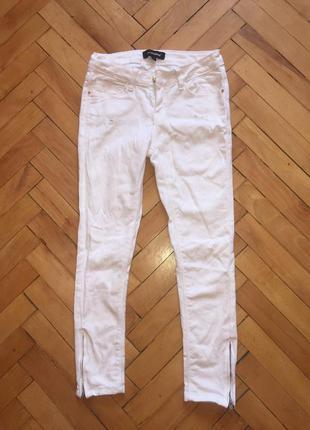 Белые джинсы / штаны / брюки / джинси / штани