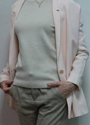Легкий    пудровый  пиджак  из  вискозы  cos