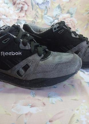 Замшевые кроссовки reebok