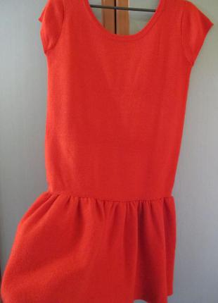 Бомбезное красное утеплённое платьишко