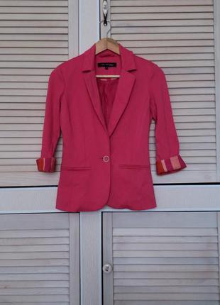 Яркий пиджак top secret