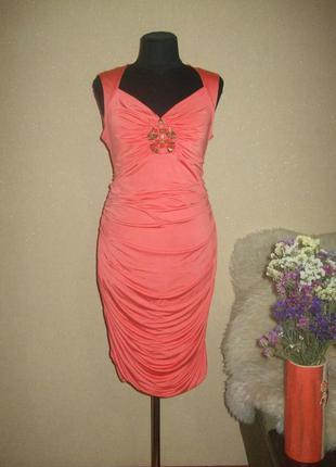 Очень красивое эластичное платье-миди