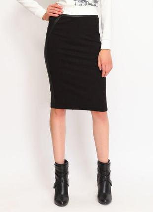 Трикотажная юбка-карандаш сзади на молнии