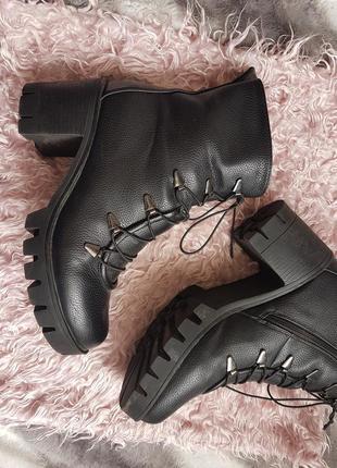 Ботинки со шнуровкой2
