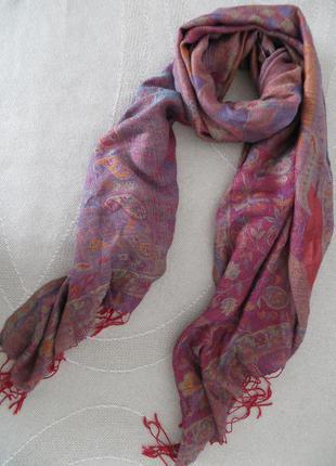 Яркий палантин (шарф) из вискозы