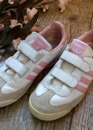 Оригинальные кроссовки на девочку от adidas/белые/на липучку/кожа-34р