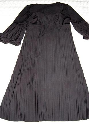 Нарядное платье плиссе. новое!