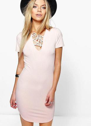 Новое пудровое платье boohoo со шнуровкой