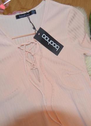 Новое пудровое платье boohoo со шнуровкой5 фото