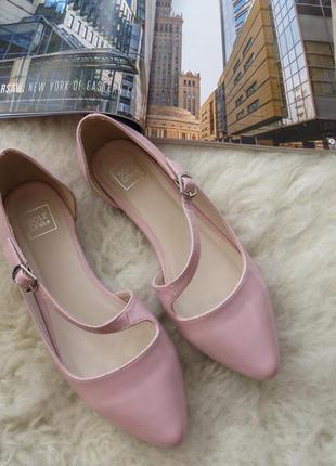 Лаковые туфли sole diva, розовая пудра, очень удобные
