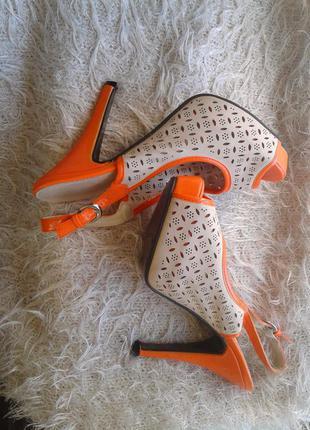 Оранжевые босоножки, 37р-р.