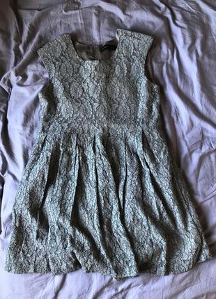 Коротка сіра мереживна сукня